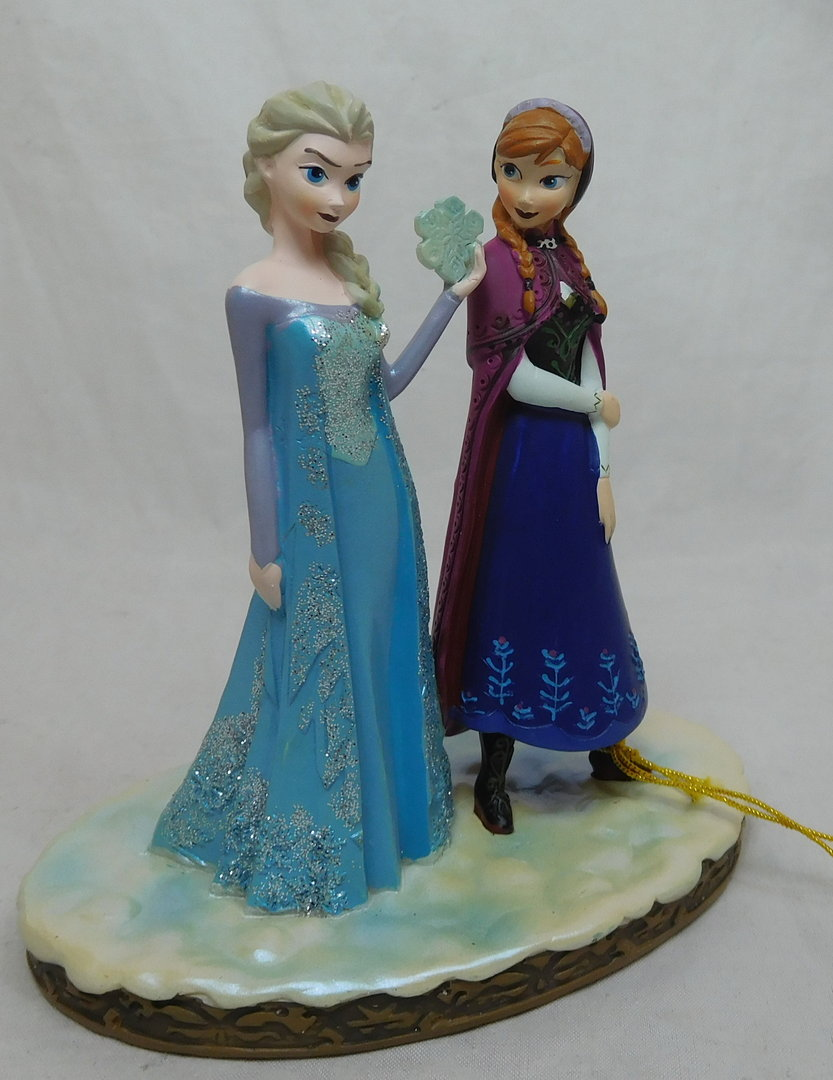 figur aus eisk nigin anna und elsa ein disney shop in deutschland. Black Bedroom Furniture Sets. Home Design Ideas