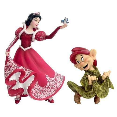 Disney Showcase Snow White and the Seven Dwarfs Snow White and Dopey 80th Anniversary Statue