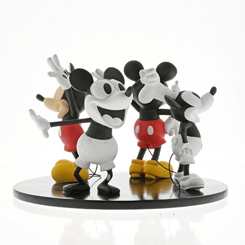 enesco disney enchanting Mickey Mouse 90th Anniversary Figur Evolution